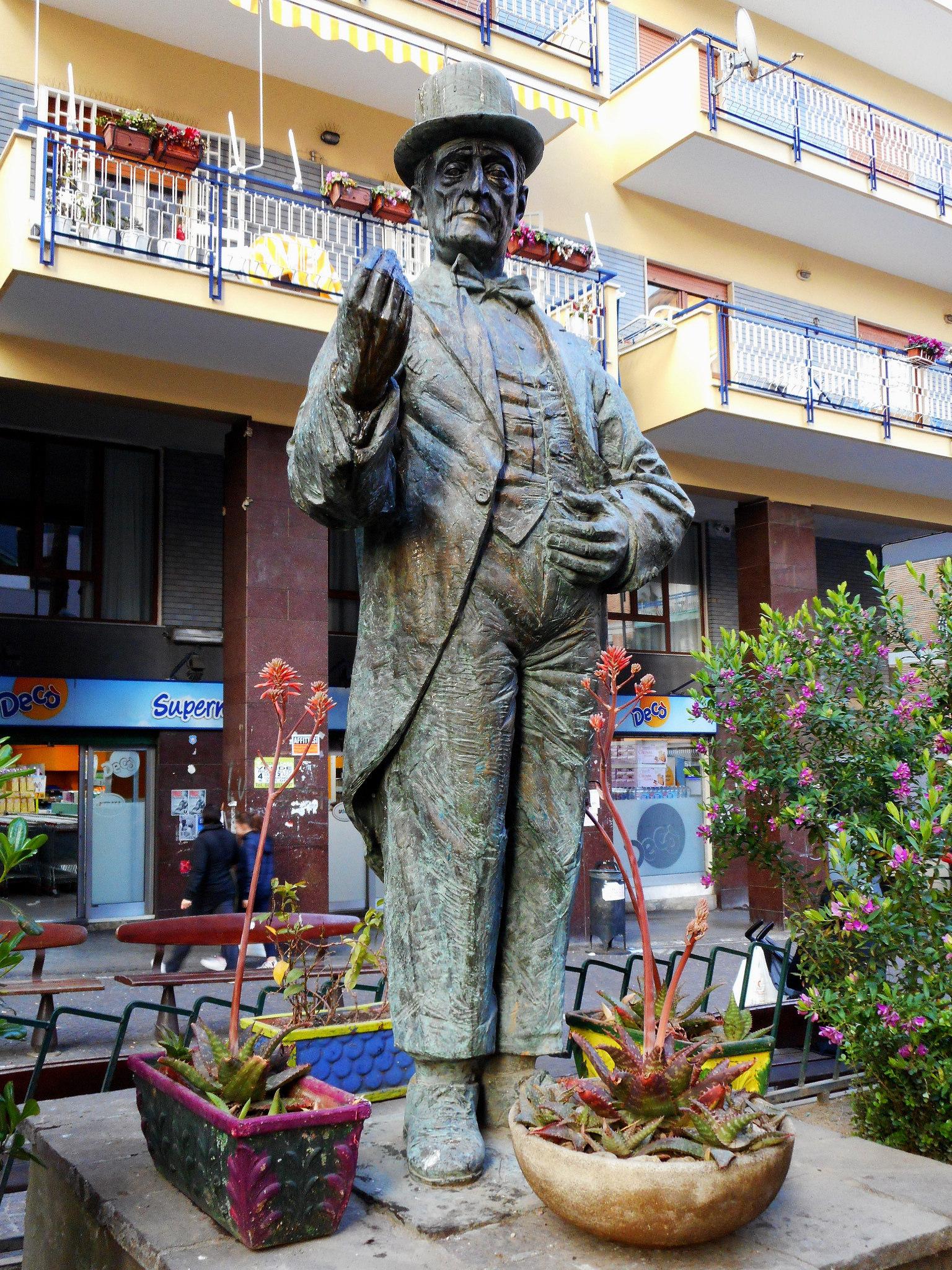 statua_toto