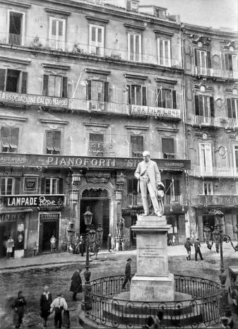 piazza_carita_acnapoli